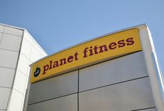 Planeten-Eignungs-Turnhallen-Zeichen, Dallas, Texas Stockfoto