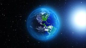 Planetjord i universum eller utrymme, jord och galaxen i en nebulosa fördunklar Royaltyfri Fotografi