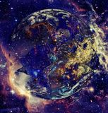 Planetjord i ytterkant avstånd Beståndsdelar av denna avbildar möblerat av NASA royaltyfri foto