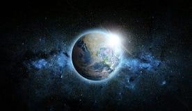 Planetjord med soluppgång på utrymmebakgrund Best?ndsdelar av denna avbildar m?blerat av NASA vektor illustrationer