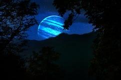 planetjord, saturn och jupiter i ett kosmiskt moln - bestÃ¥ndsdelar av denna bild möblerade vid NASA fotografering för bildbyråer