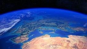 Planetjord som roterar förgångna Europa och Nordafrika arkivfilmer