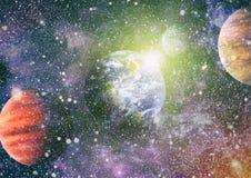 Planety, gwiazdy i galaxies w kosmosie pokazuje pi?kno eksploracja przestrzeni kosmicznej, Elementy mebluj?cy NASA ilustracji