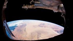Planety ziemia widzie? od ISS Eksploracja przestrzeni kosmicznej planety ziemia przy noc? Elementy ten wideo mebluj?cy NASA zbiory wideo