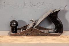 Planeuse noire en gros plan en métal photo stock