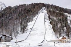 Planica, Slovénie - 18 octobre 2017 - la construction du centre nordique de Planica avec des collines de sauter de ski Planica es Photo libre de droits