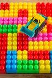 Planierraupenspielzeug handhaben Blockspielzeug Lizenzfreies Stockfoto
