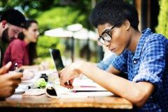 Planificación educativa de la comunicación de la universidad que estudia concepto foto de archivo libre de regalías