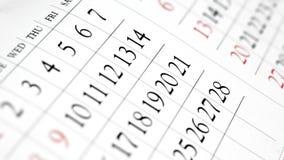 Planificador diario - opinión de perspectiva ascendente cercana del calendario Imagen de archivo libre de regalías