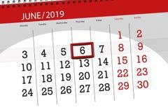 Planificador para mes junio de 2019, d?a del plazo, 6, jueves del calendario imagen de archivo