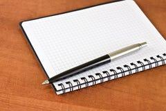 Planificador y pluma Fotografía de archivo