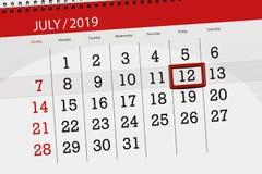 Planificateur de calendrier pour mois en juillet 2019, jour de date-butoir, vendredi 12 photos stock