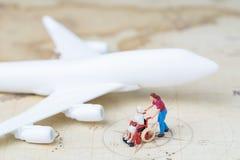Planification de voyage ou concept médicale de voyage, elderl supérieur miniature images libres de droits