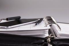 Planistyczny pojęcie - kalendarz, telefon komórkowy, pióro Obraz Stock