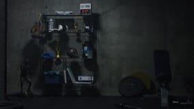 Plank van toekenning op de gymnastiek donkere achtergrond stock illustratie