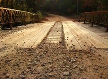 Planke-Brücke lizenzfreie stockbilder