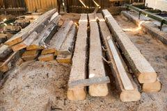 Planken in de houtfabriek stock foto