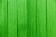 Planken des Holzes grün gemalt Stockfotos