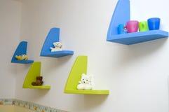 Planken met speelgoed Royalty-vrije Stock Fotografie