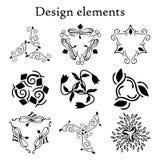 Planlägg beståndsdeluppsättningen, modeller, tre-pekade finials Uppsättning av 9 calligraphic beståndsdelar Arkivfoto