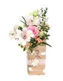 Planlägg buketten av rosa och vita blomma blommor Arkivbild