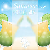 Planlägg en meny för sommardrinkar Royaltyfri Foto