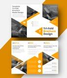 Planlägg en trifold broschyr för vit vektor med gula trianglar fo Royaltyfria Bilder