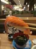 planlägg praktiska sushi för laxen för elementmenyrestaurangen mycket Arkivfoton