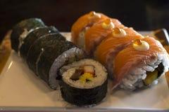 planlägg praktiska sushi för laxen för elementmenyrestaurangen mycket Arkivbilder