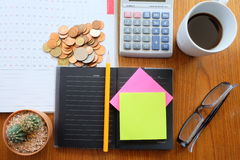 Planner book and money Royalty Free Stock Photography