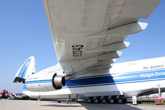 Plano An-124-100 Imágenes de archivo libres de regalías