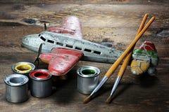 Plano antigo do brinquedo da lata imagens de stock royalty free