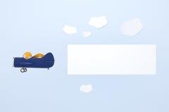 Plano azul de la historieta con la bandera Imagen de archivo