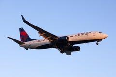 Plano comercial de Delta Air Lines Boeing 737 Fotografia de Stock