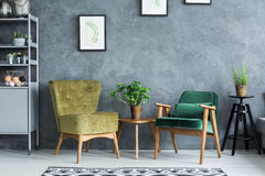 Plano con muebles modernos fotos de archivo
