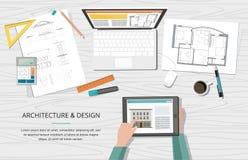 Plano da casa do arquiteto do projeto de construção com ferramentas, portátil e caderno workplace Fundo da construção Imagens de Stock Royalty Free