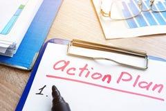 Plano de ação com prancheta Planeamento da estratégia Fotografia de Stock Royalty Free