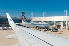 Plano de Air France em Paris fotos de stock royalty free