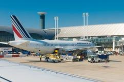 Plano de Air France em Paris imagem de stock royalty free