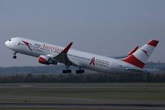 Plano de Austrian Airlines, libr? myAustrian imagens de stock