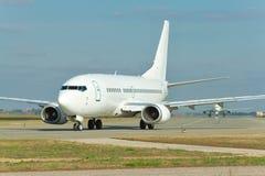 Plano de avião de passagem Imagem de Stock