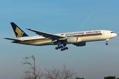Plano de Boeing 777 Fotografia de Stock Royalty Free