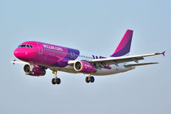 Plano de HA-LWP Wizzair Fotos de Stock