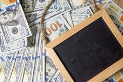 Plano de negócios em diagramas da renda financeira, do dólar e do negócio imagens de stock royalty free
