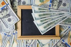 Plano de negócios em diagramas da renda financeira, do dólar e do negócio foto de stock