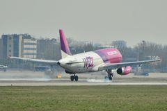 Plano de Wizzair Foto de Stock Royalty Free