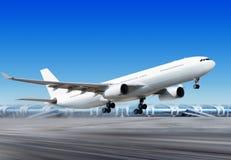 Plano del Vuelo-apagado del aeropuerto Imágenes de archivo libres de regalías