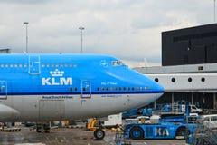 Plano do KLM em Schiphol Fotografia de Stock