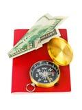 Plano do passaporte, do compasso e do dinheiro - conceito do curso Fotografia de Stock Royalty Free
