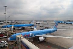 Plano em Schiphol Imagem de Stock Royalty Free